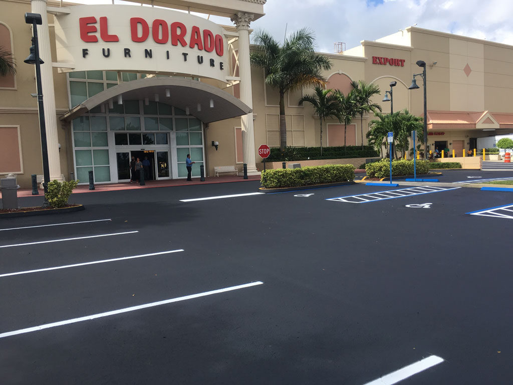 Retail Chain – El Dorado – Sealcoating and Striping
