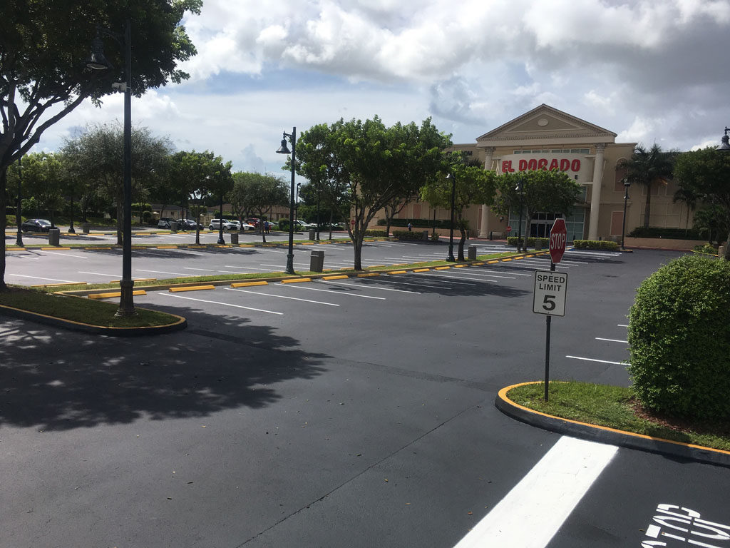Retail Chain – El Dorado – Sealcoating and Striping (5)